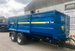 Trailers/Spreaders & Sprayer